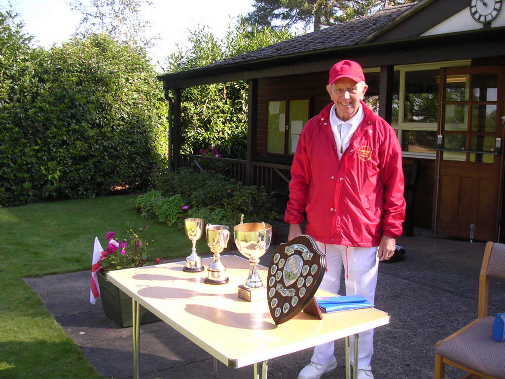 umpire with trophies